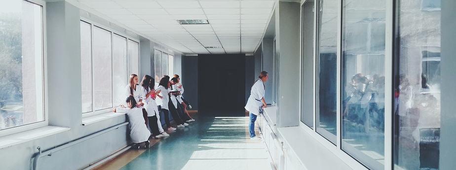Chinches escondidas en hospital